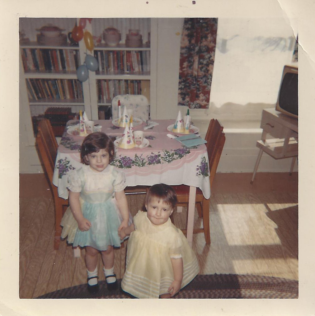 286a Angie and Catherine Shea 1967